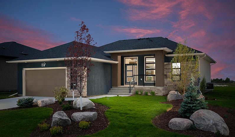 MHBA-FeatureImage-Sterling Homes 69 Casselman Crescent_twilight for Q