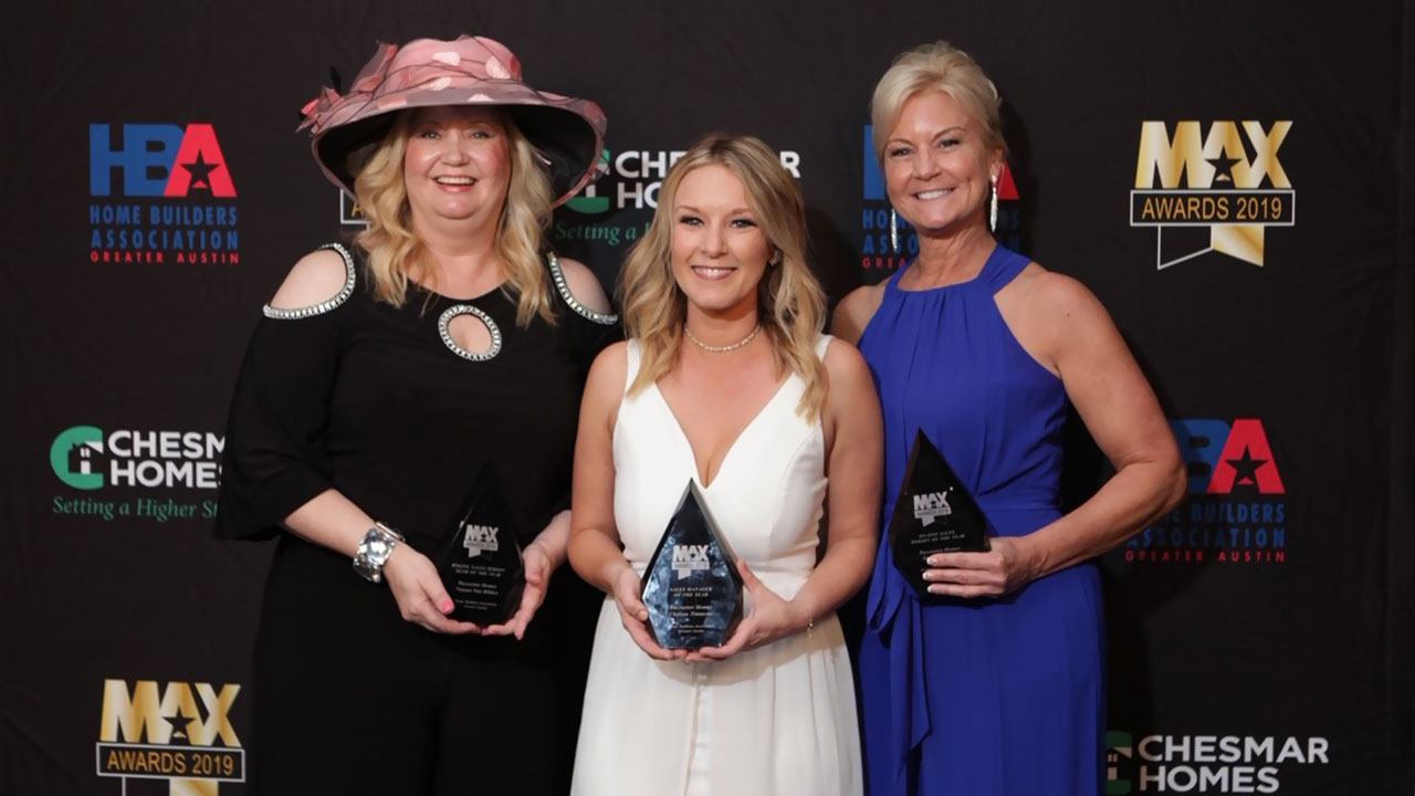 Nianne Van Bibber was named the 2019 Online Salesperson of the year by the Austin HBA.
