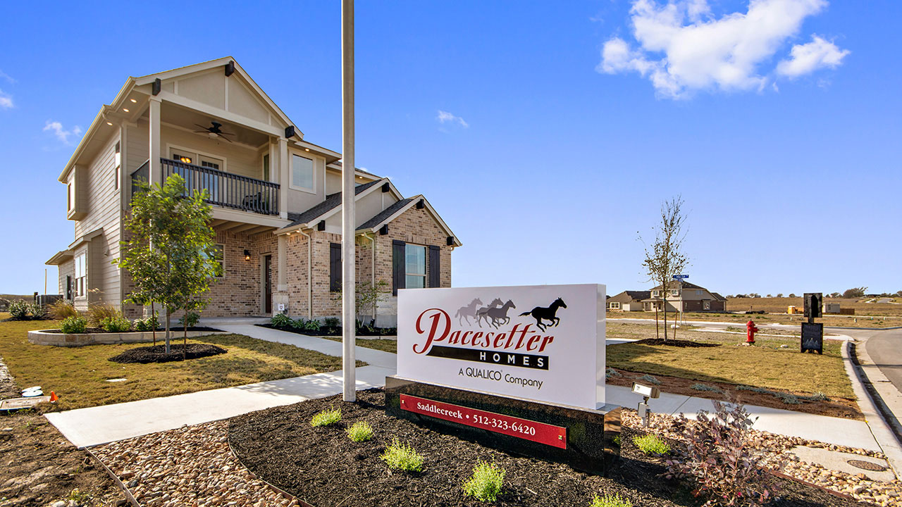 Pacesetter Texas showhome in the community of Saddlecreek.