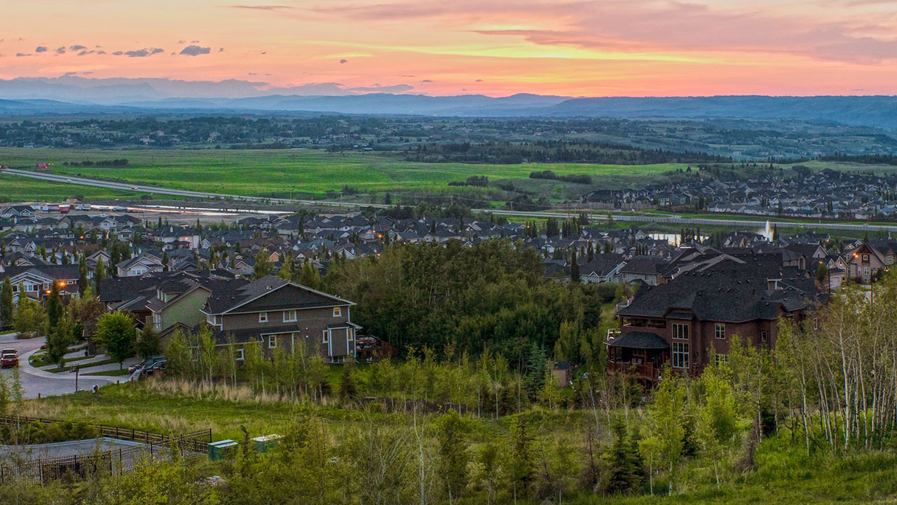 Homeowners will enjoy the natural beauty of Crestmont View.