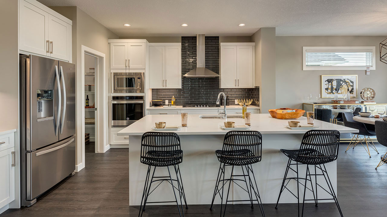 Sterling Homes in Calgary offers home buyer a wide variety of kitchen layouts.