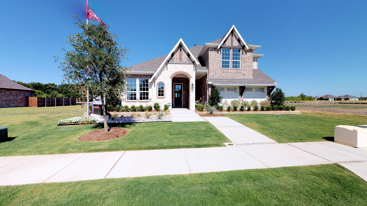 Pacesetter Homes' beautiful showhome in Creek Crossing.