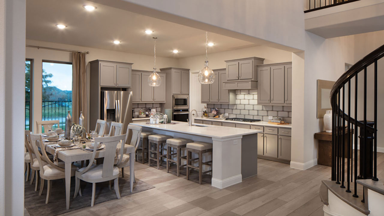 Pacesetter Homes Dallas offers home buyers open concept living spaces.