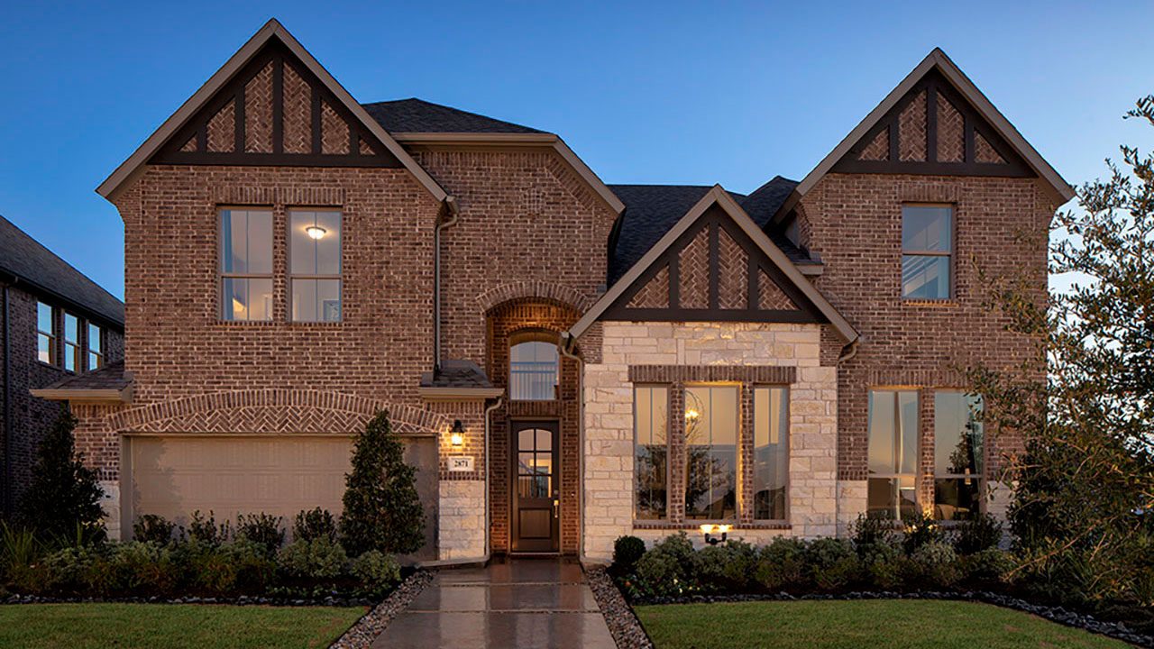 The exterior of a showhome built by Pacesetter Homes Dallas.