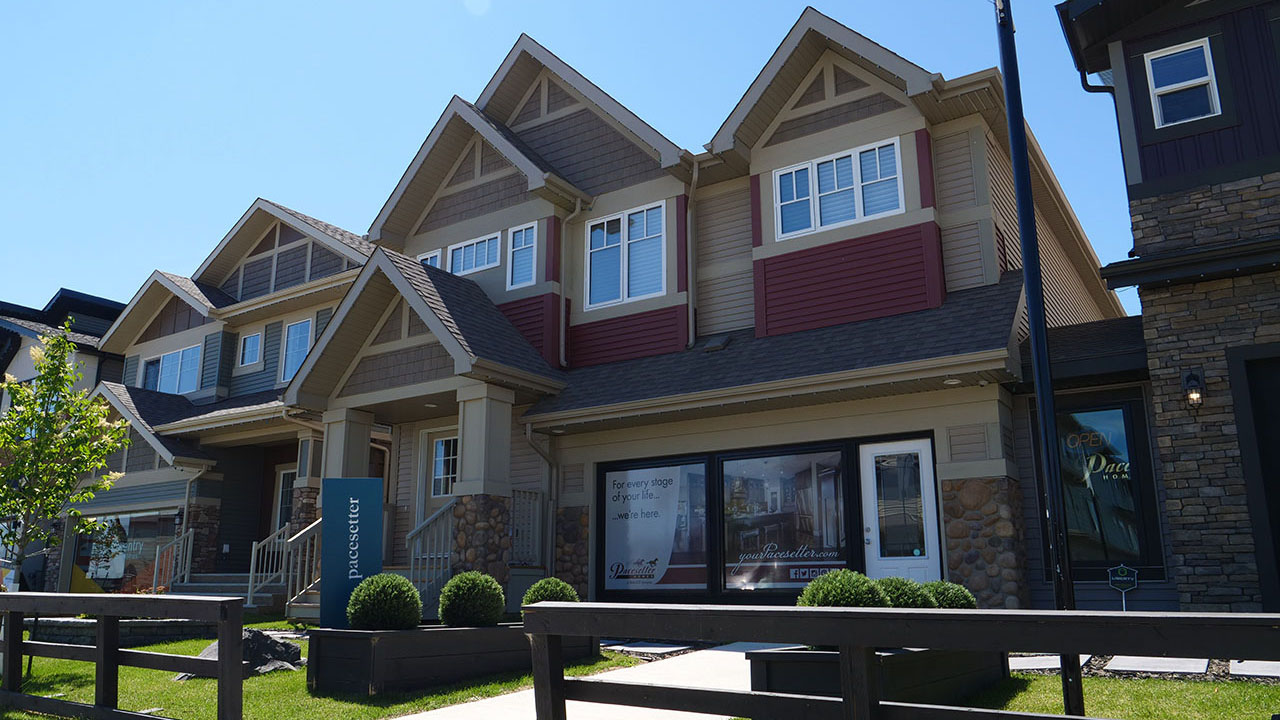 Exterior of Pacesetter Home in Edmonton