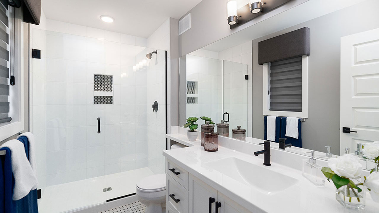 Sleek bathroom design - Broadview Homes Winnipeg