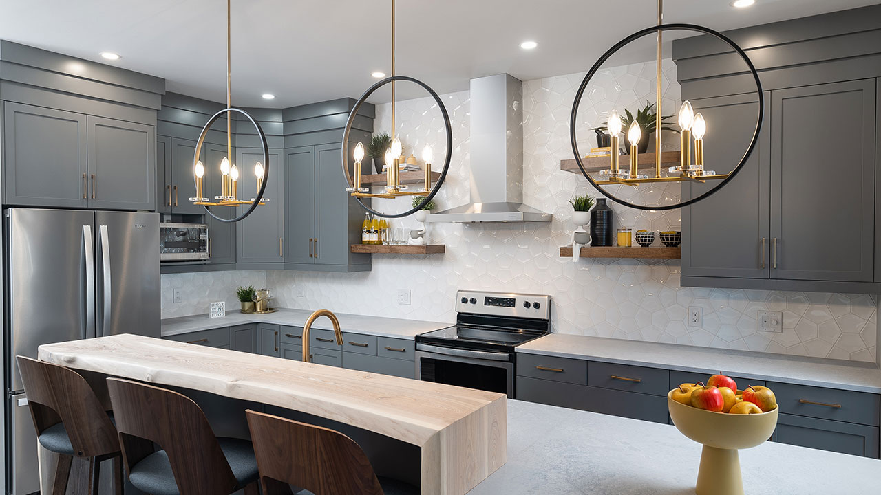 Kitchen island with eating bar, built by Kensington Homes.