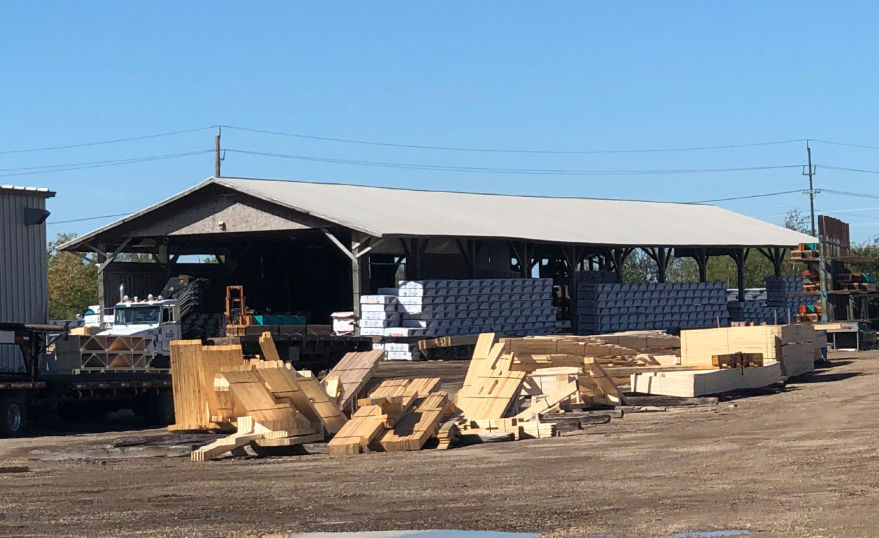 Materials ready to be use don the Star Truss lot.
