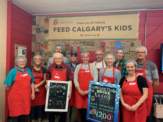 Qualico Calgary's Volunteer Day - Brown Bagging for Kids - Group Picture