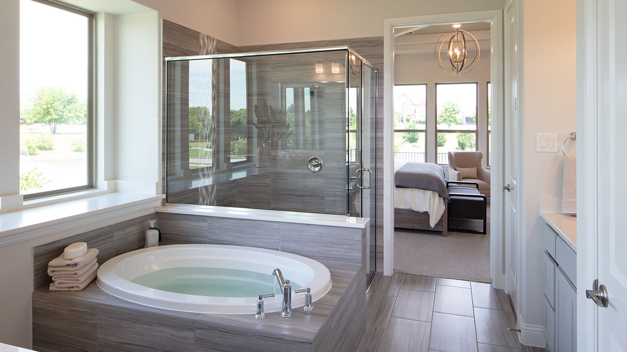 Pacesetter Homes Dallas-Fort Worth's Model Bathroom