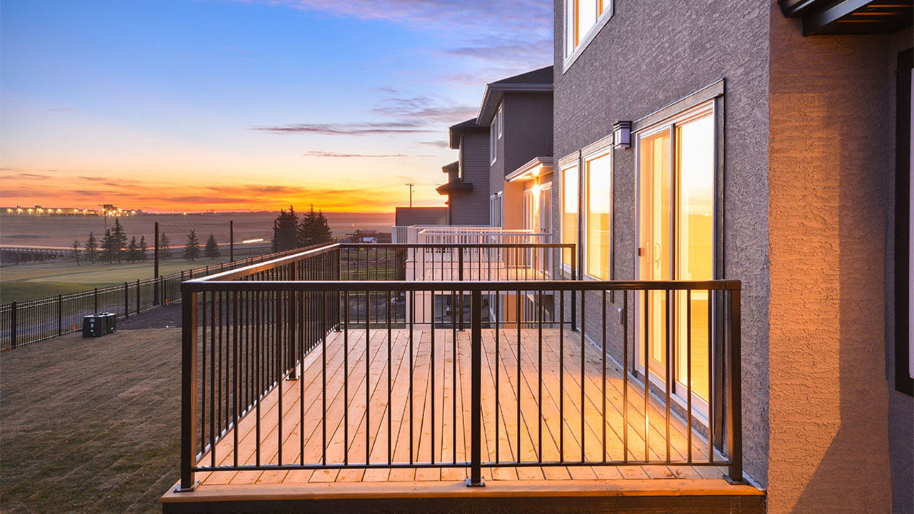 the back deck of a Pacesetter Home in Regina