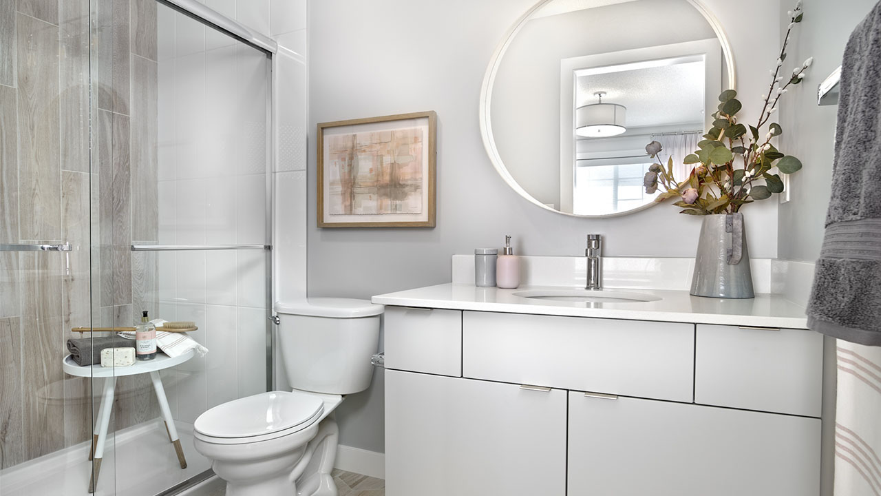 StreetSide Edmonton - Granville - Bathroom