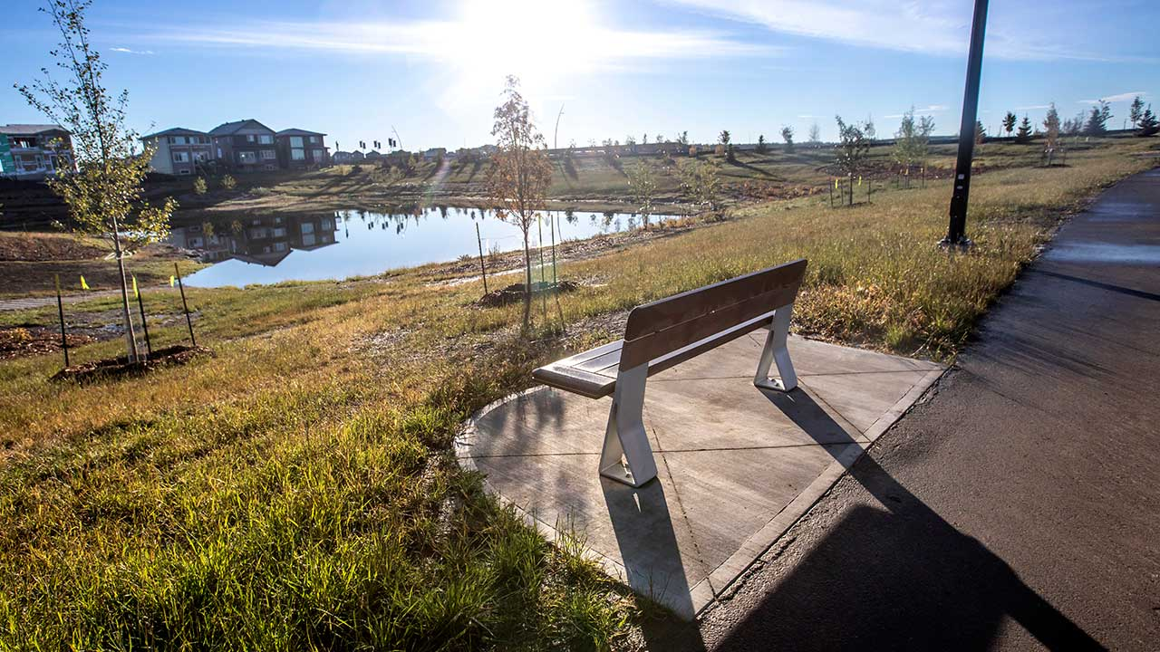 Qualico Edmonton Communities - The Uplands at Riverview - Walkway