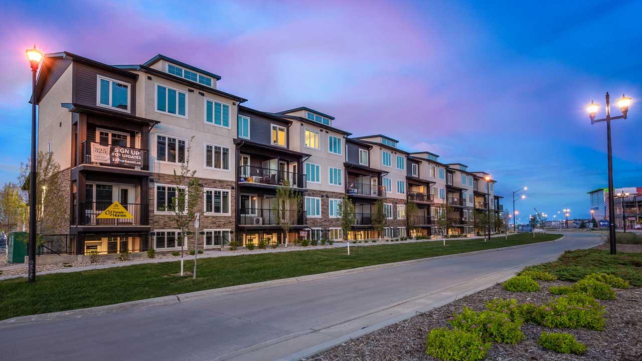 StreetSide Developments Winnipeg - 325 Park East - Exterior night