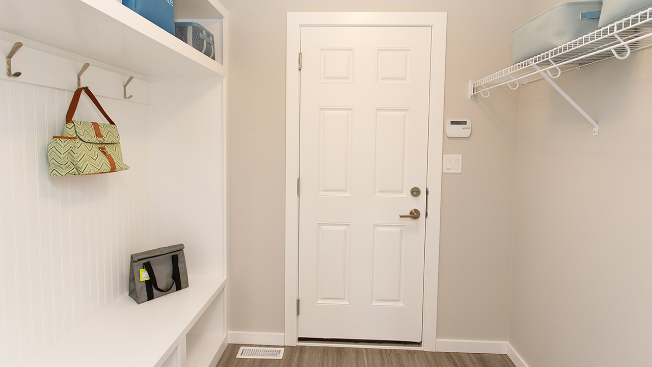 Kensington Homes Winnipeg - Clearbrook - Mudroom