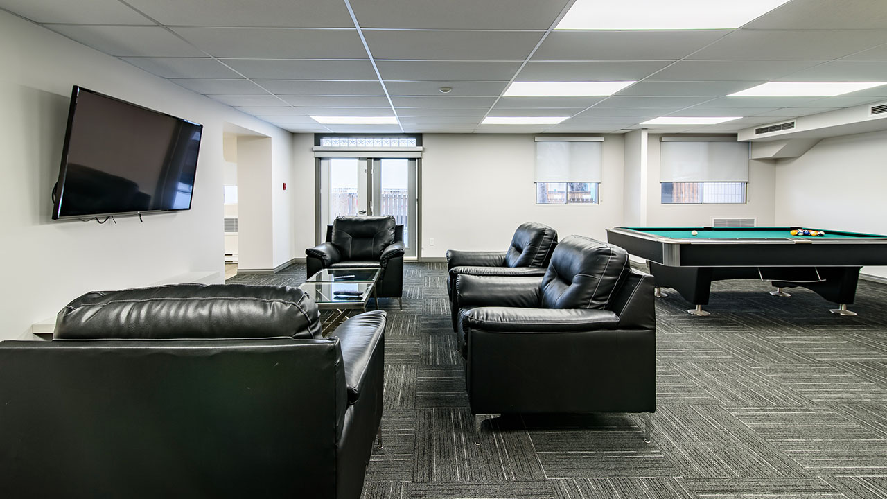 Rancho Realty Manitoba - Niakwa Tower - Common Area
