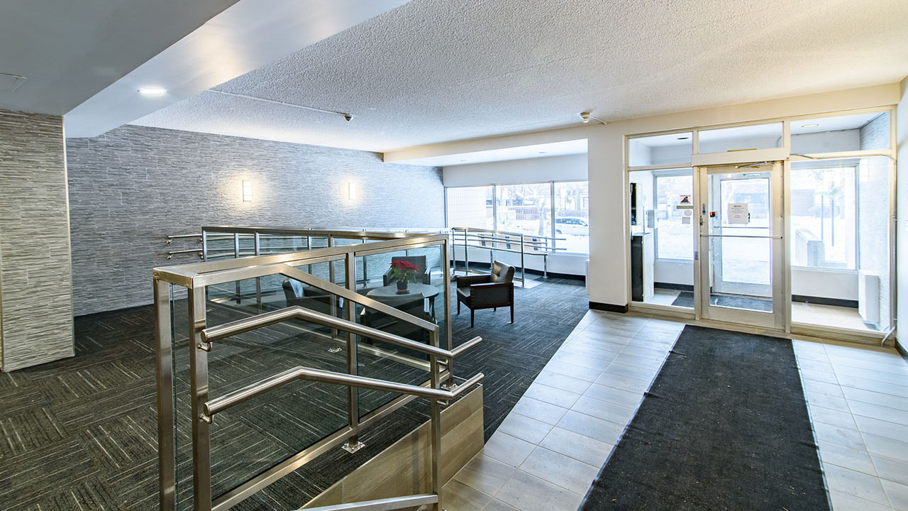 Rancho Realty Manitoba - Niakwa Tower - Lobby