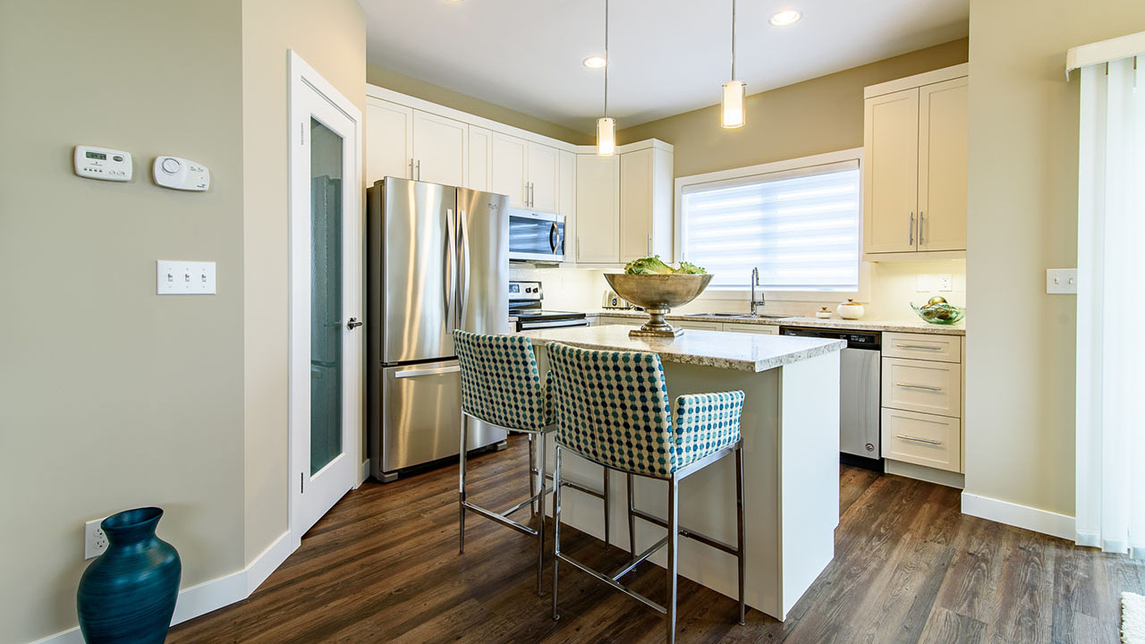 Broadview Homes Winnipeg - 327 El Tassi - Saddlebrook - Kitchen