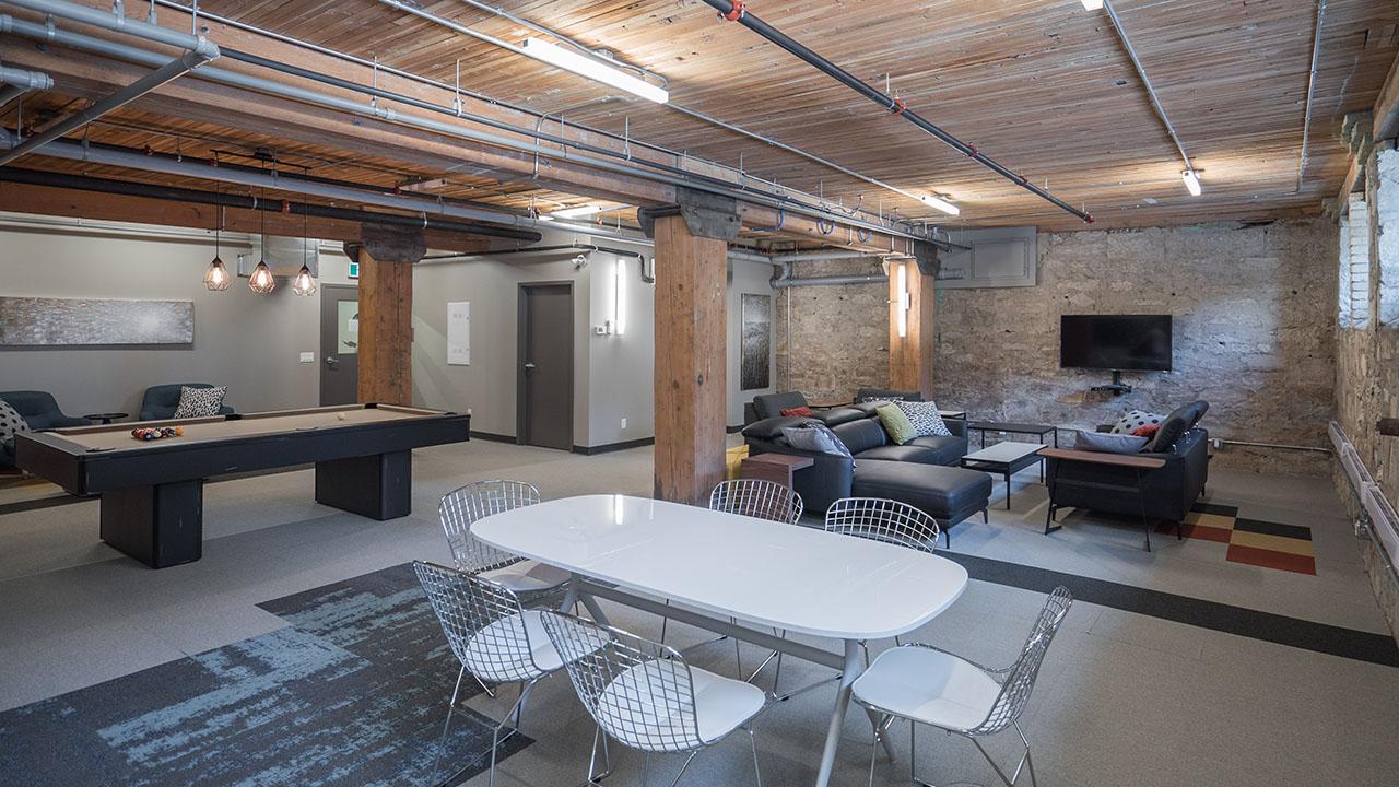 StreetSide Winnipeg - strict Condos - District Lounge